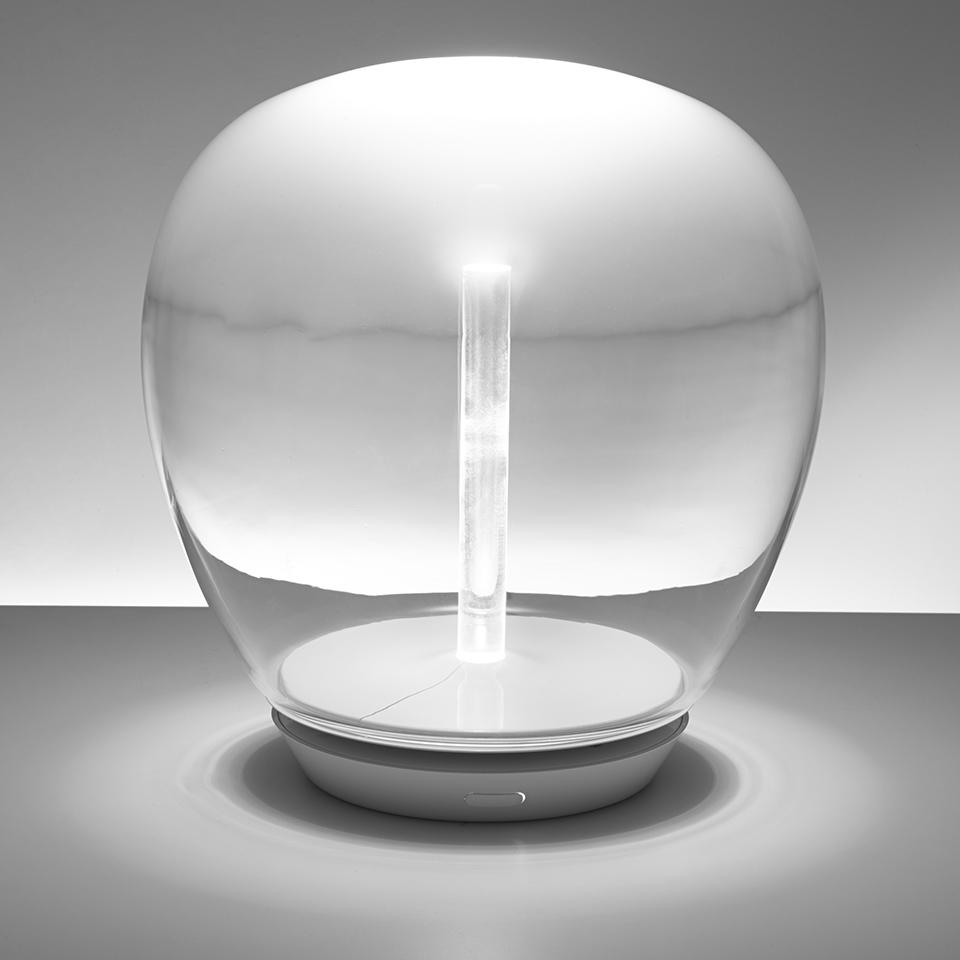 Empatia, luminario de mesa, ©Artemide.